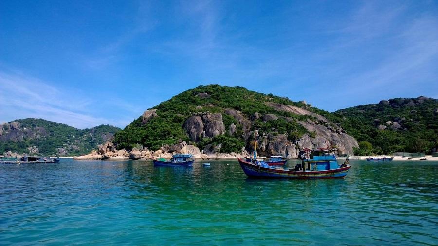 du lịch Nha Trang muốn hòa mình vào thiên phải đến với Đảo Bình Hưng