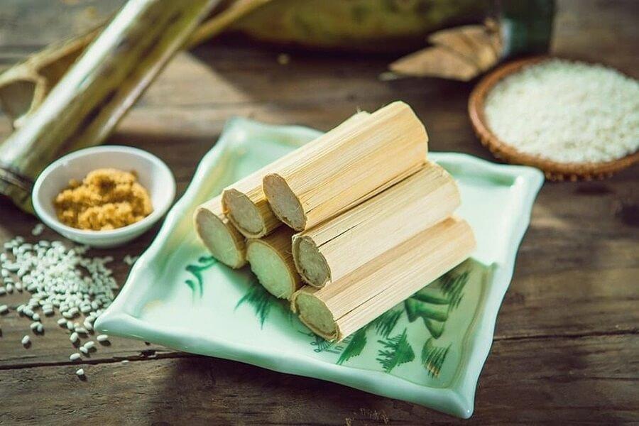 Cơm lam đậm đà hương thơm và bạn phải ăn khi đến với Sapa