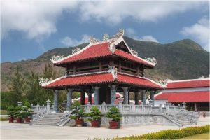 Tour du lịch Côn Đảo tại đền thờ Côn Đảo