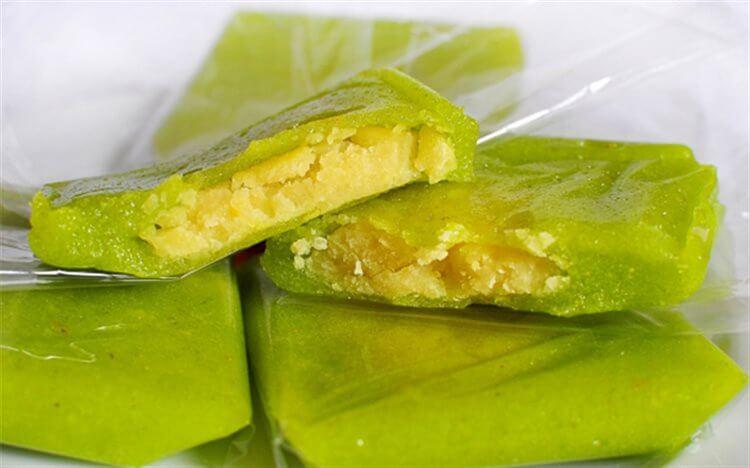 Bánh cốm là đặc sản Hà Nội