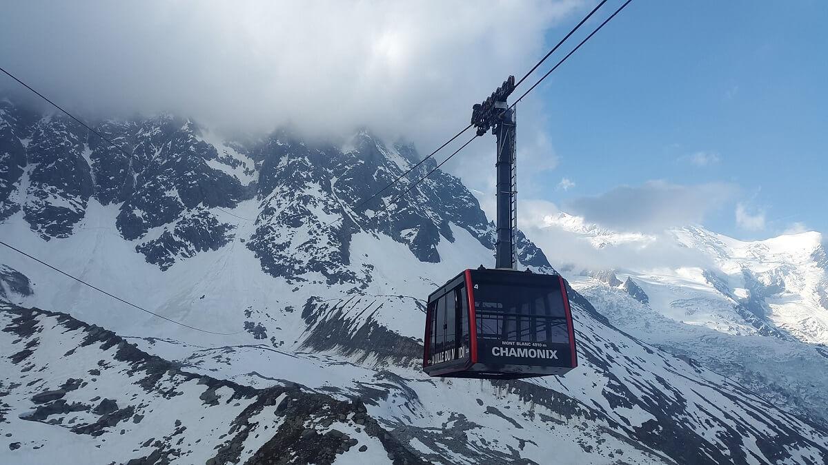 Cáp treo lên núi Mont Blanc, trải nghiệm thú vị nhưng đáng sợ