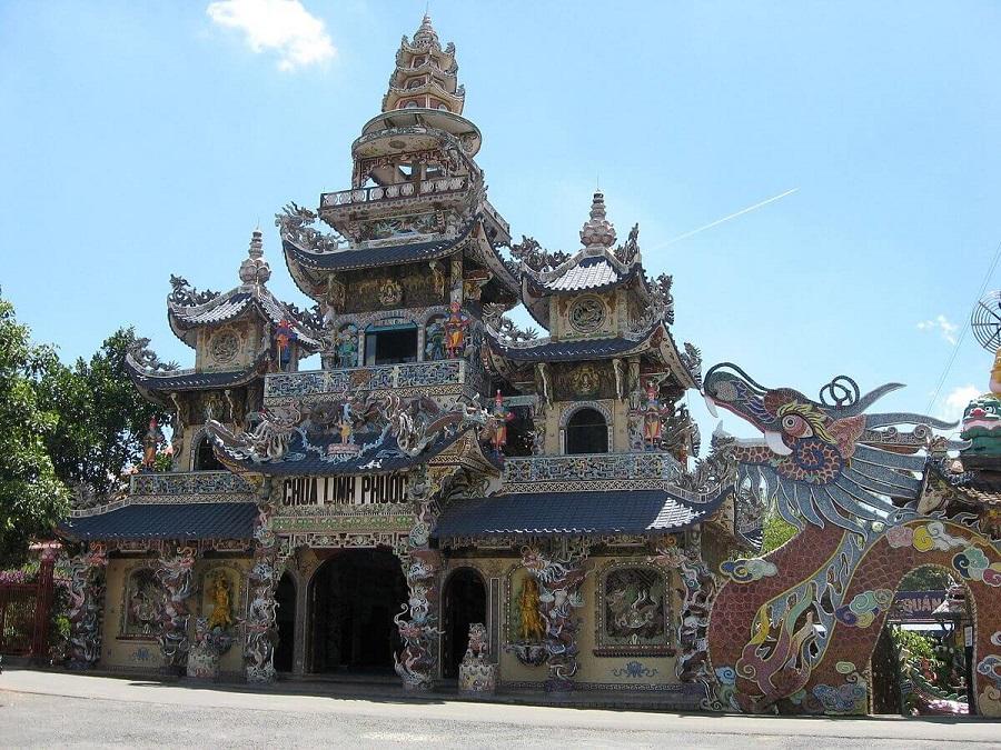 chùa Linh Phước du lịch Đà Lạt