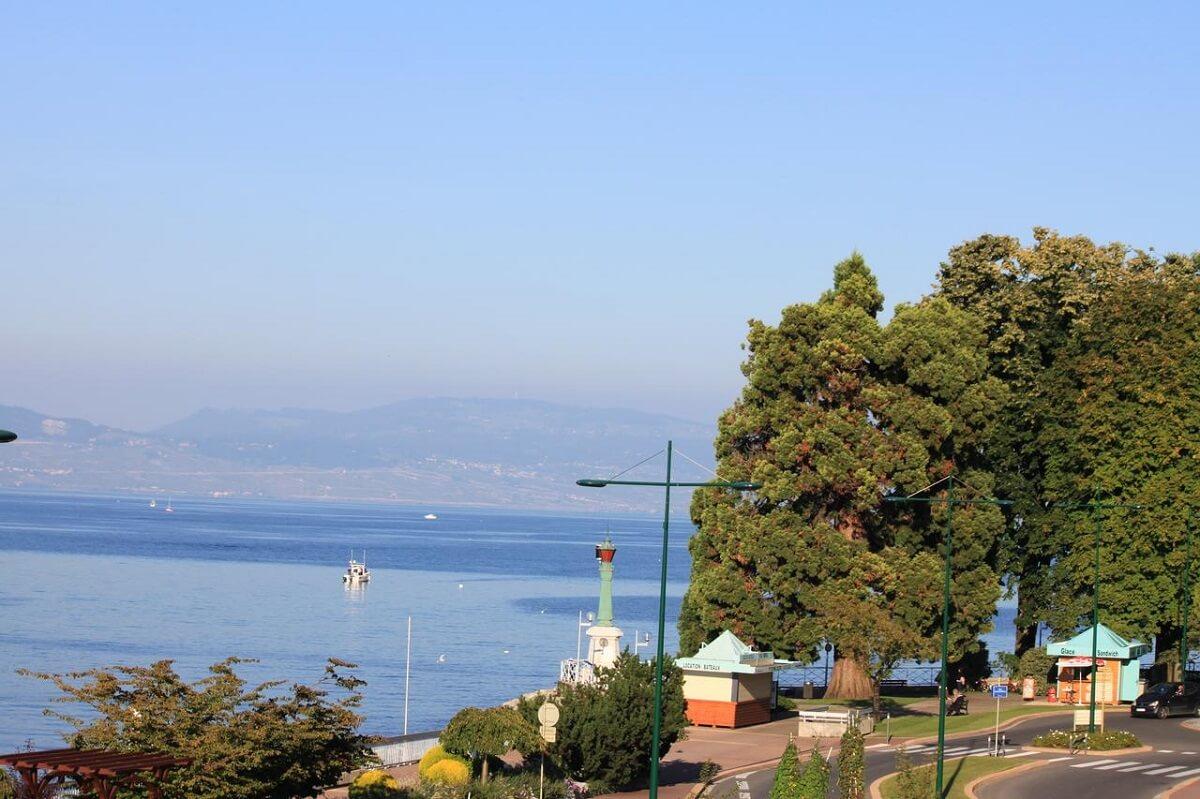 Cảng Ouchy thuộc hồ Léman