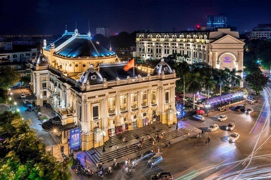 Nhà hát Lớn Hà Nội đẹp lung linh trong đêm
