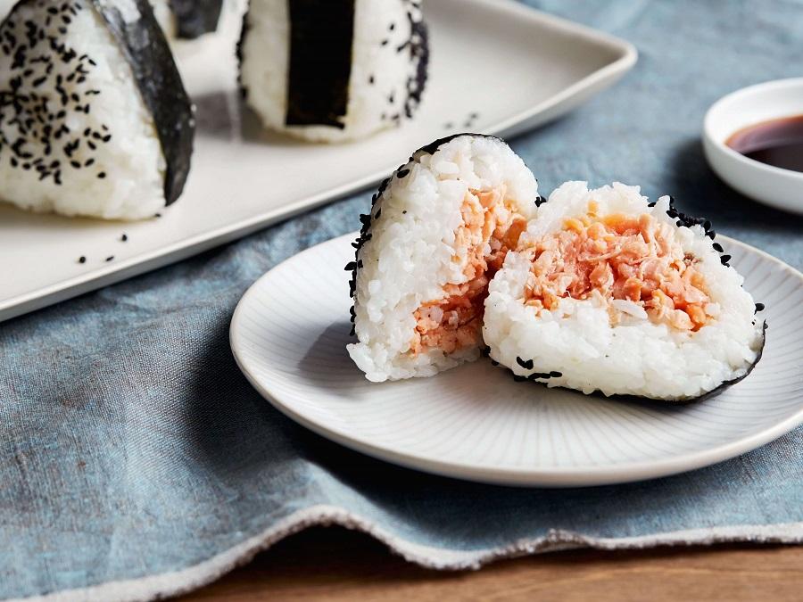 onigini cực ngon và vô cùng phổ biến từ nhà hàng đến người dân Nhật Bản