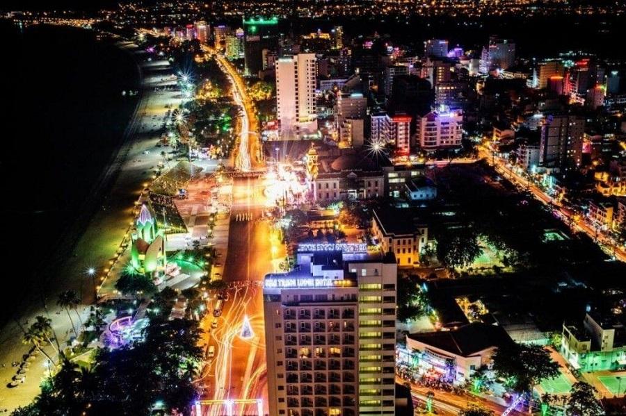 phố đêm Nha Trang rực rỡ
