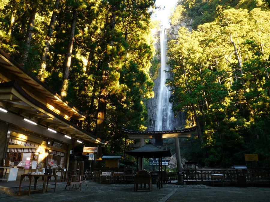 thác nachi là thắc nước cao nhất Nhật Bản