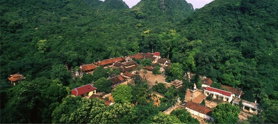 di tích chùa thiên trù tại chùa hương du lịch Hà Nội