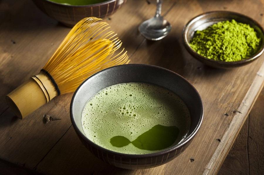 trà đạo Nhật Bản không hẳn có thể xem là ẩm thực Nhật Bản vì nó là một nét truyền trống