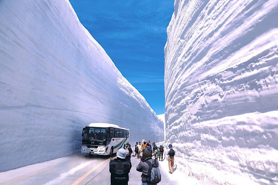 tuyến đường tateyama kurobe alpine là con đường kỳ lạ và đẹp nhất thế giới