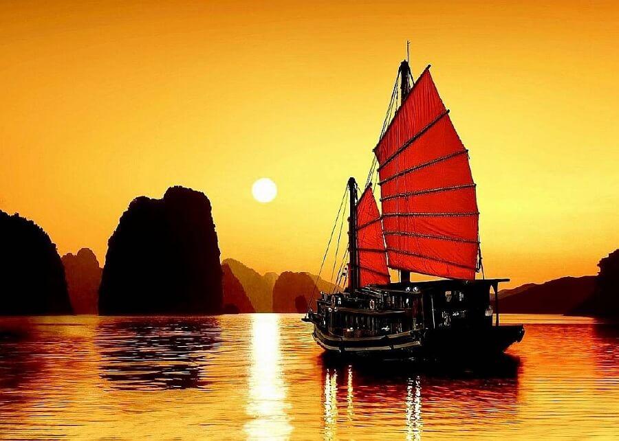 Vinh Hạ Long như một địa điểm mặc định của khách du lịch trong và ngoài nước khi đến miền bắc Việt Nam