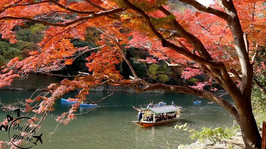 Cảnh đẹp trữ tình Nhật Bản mùa thu Du Lịch Nhật Bản Mùa Nào Đẹp Nhất, Du Lịch Nhật Bản, Tour Du Lịch Nhật Bản, Du Lịch Nhật Bản Đi Đâu, Ẩm Thực Nhật Bản, Văn Hóa Nhật Bản