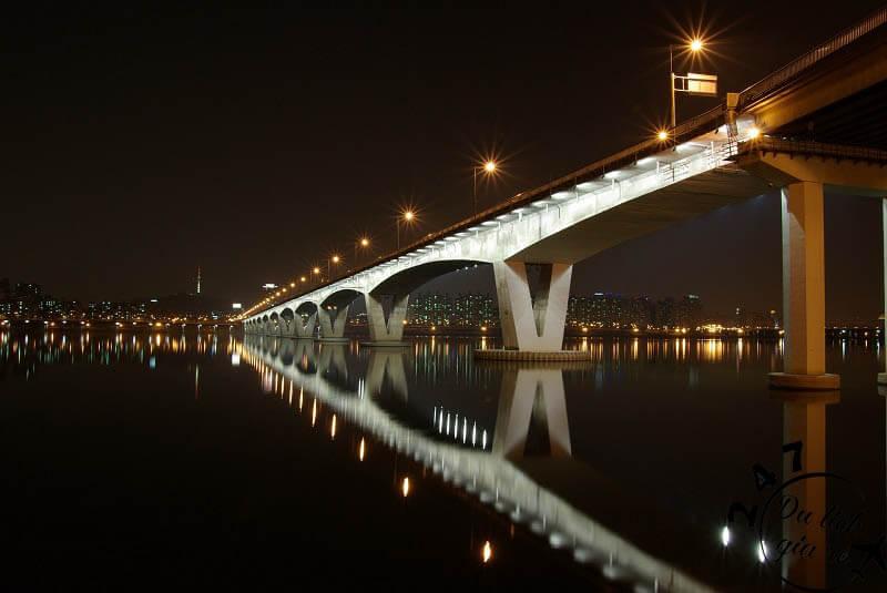 Cầu bắt ngang sông Seoul, Tour du lịch Hàn Quốc, du lịch Hàn Quốc Giá Rẻ, Xin visa Hà Quốc, Du lịch Hàn Quốc Ăn Gì,