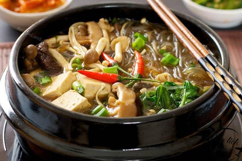 Lẩu gà siêu hot mà bạn phải ăn khi du lịch Hàn Quốc, Tour du lịch Hàn Quốc, du lịch Hàn Quốc Giá Rẻ, Xin visa Hà Quốc, Du lịch Hàn Quốc Ăn Gì,