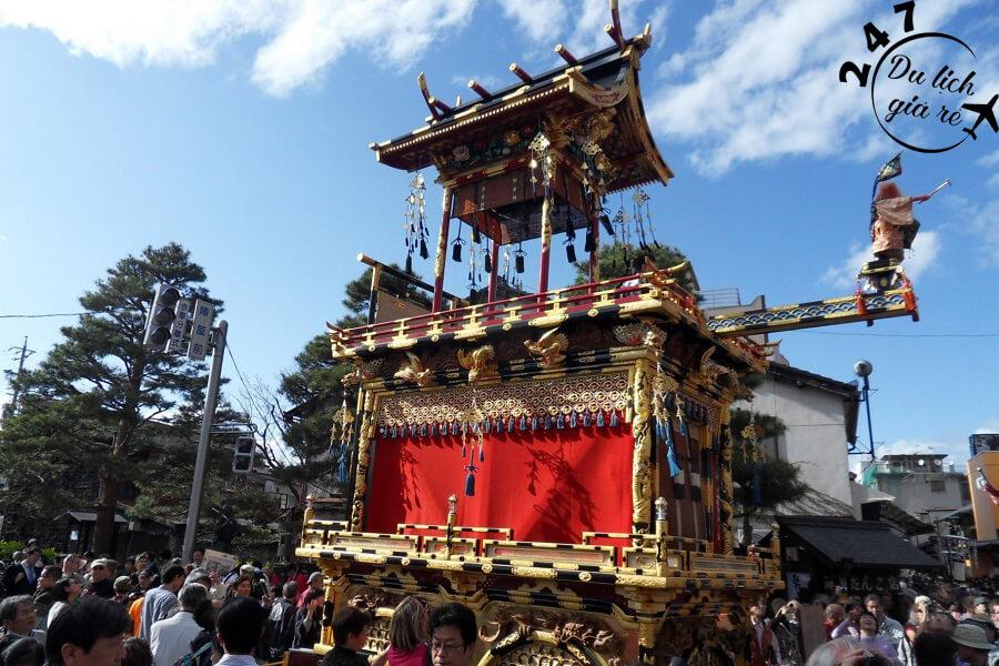 Lễ hội Takayama Festival rước kiệu rộn ràng Du Lịch Nhật Bản Mùa Nào Đẹp Nhất, Du Lịch Nhật Bản, Tour Du Lịch Nhật Bản, Du Lịch Nhật Bản Đi Đâu, Ẩm Thực Nhật Bản, Văn Hóa Nhật Bản