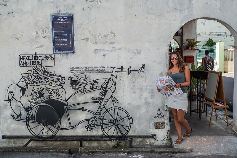 Con đường với những bức tranh tạo thành những tác phẩm nghệ thuật độc đáo