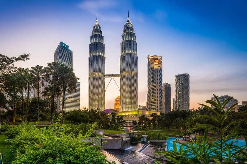 Tháp đôi Petronas - niềm kiêu hãnh của người dân Malaysia