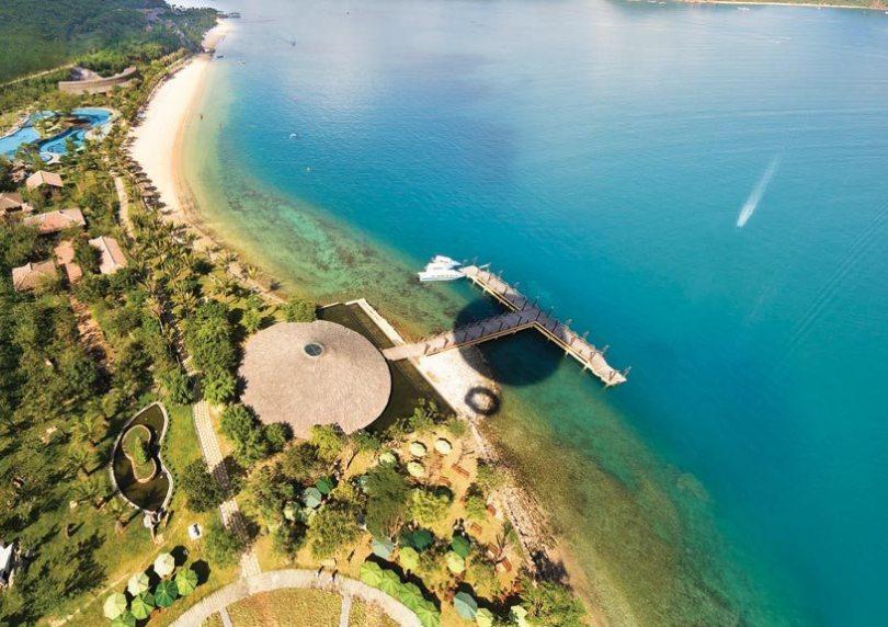Bãi tắm tuyệt đẹp tại đảo Hòn Tằm.