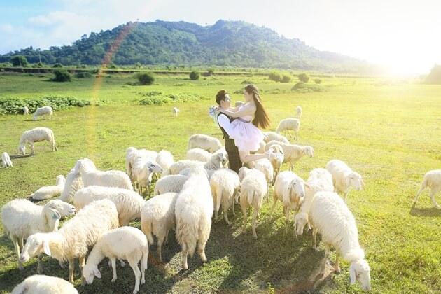 Rất nhiều cặp đôi chọn đây là địa điểm ghi lại những phút giây hạnh phúc của bước đầu cuộc sống hôn nhân.