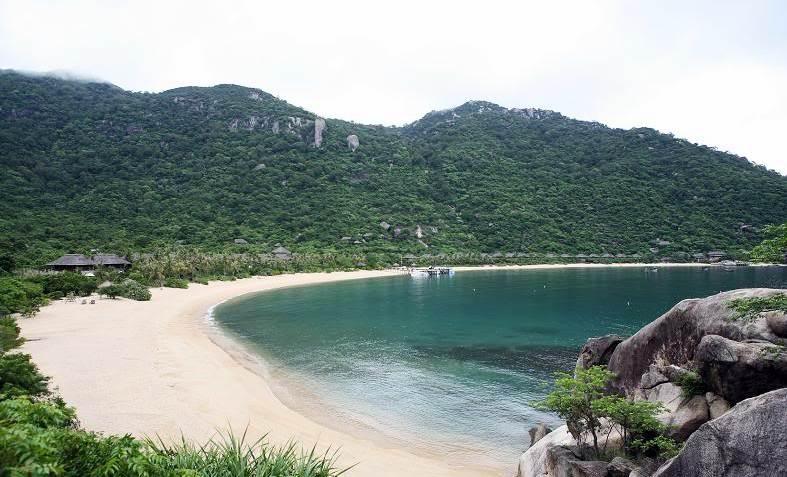 Vinh Ninh Vân là một trong những vịnh biển đẹp của Nha Trang.